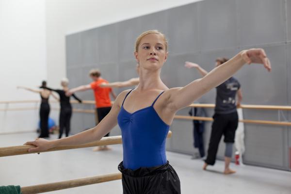 Balettitanssija tanssii