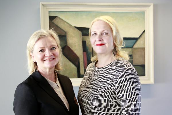 Kuvassa opetusneuvokset Marjo Rissanen ja Marjaana Manninen