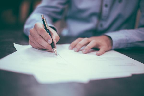 Dokumenttien allekirjoitus
