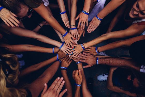 Ihmiset yhdessä