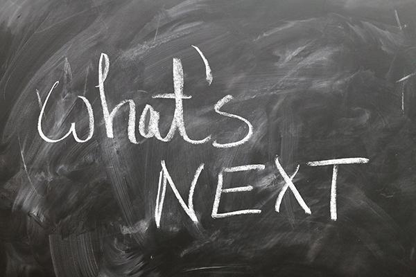 Liitutaulu, jossa teksti What's next?