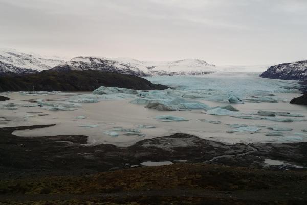 Vatnajökull jäätikön reunaa Höfningn läheltä