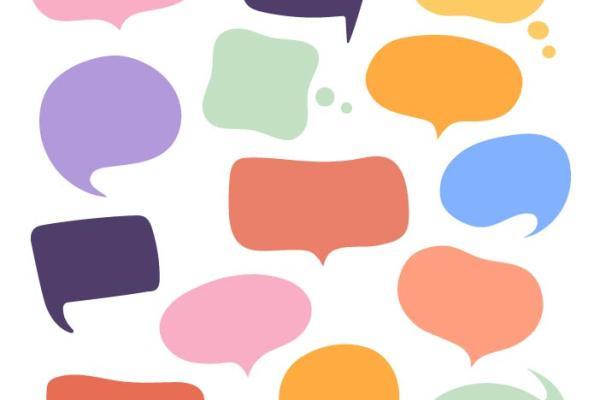 Erivärisiä ja muotoisia puhekuplia, jotka voivat edustaa vaikka eri kieliä