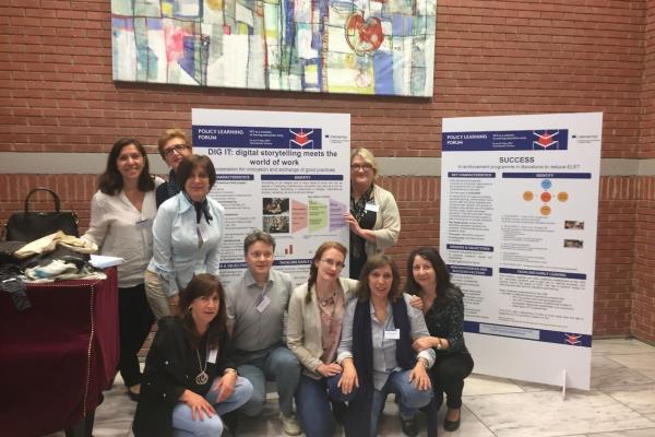 Dig it -projektdeltagare i ett gruppfoto