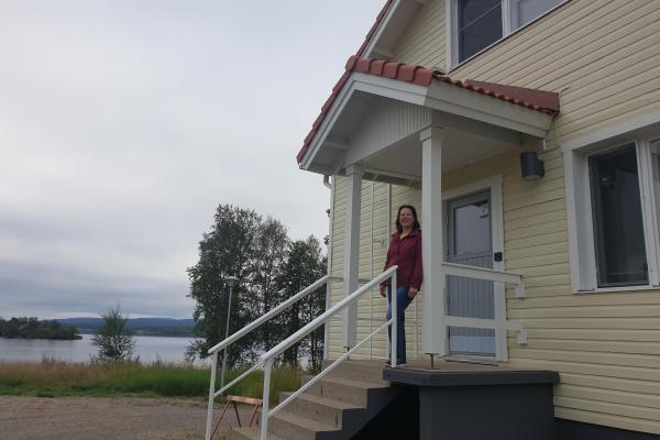 Saamelaisalueen koulutuskeskuksen asuntola Inarijärven rannalta