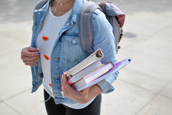 Kuvituskuva opiskelija