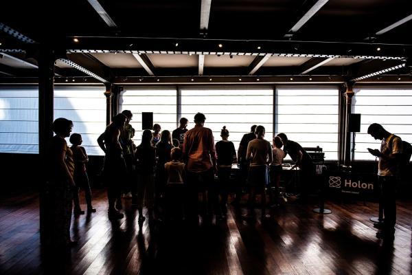 VAIN_luova_eurooppa_vibes_connected_dance