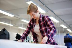 Tekstiili- ja muotialan uudistettu ammatillinen koulutus tuottaa osaamista alan muuttuviin osaamistarpeisiin