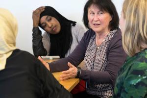 Utbildningsstyrelsen preciserar riktlinjerna för bedömningen i den grundläggande utbildningen för vuxna