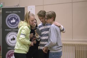 Nuorten Suomen Vaikuta! -kampanja purki muurin nuorten ja vaikutusmahdollisuuksien välistä