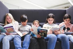 Kansallinen lukutaitostrategia vahvistamaan lukutaitotyötä