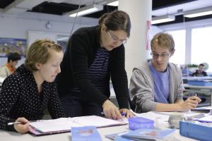 TALIS 2018: Skolorna främjar samarbete mer än tidigare