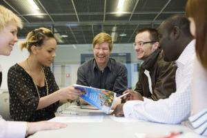 UM ja OPH: Opetusalan kehitysyhteistyön osaamiskeskus avuksi globaalin oppimisen kriisin ratkaisemisessa